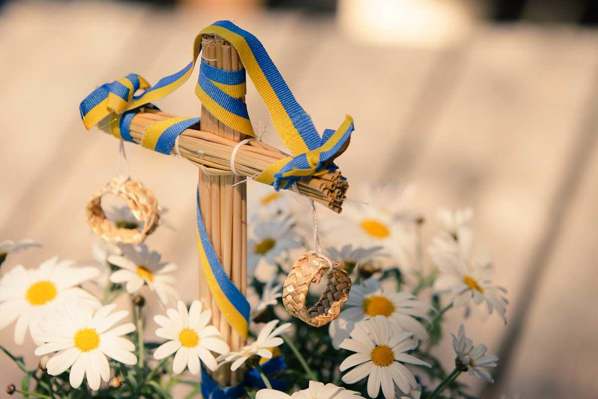midsommar-midsummer-sweden-tradition