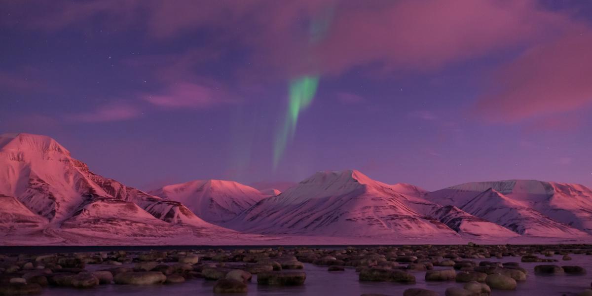 aurore-boreales-pole-nord-norvege-svalbard