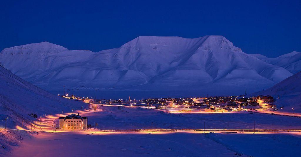 longyearbyen-nuit-polaire-capitale-svalbard