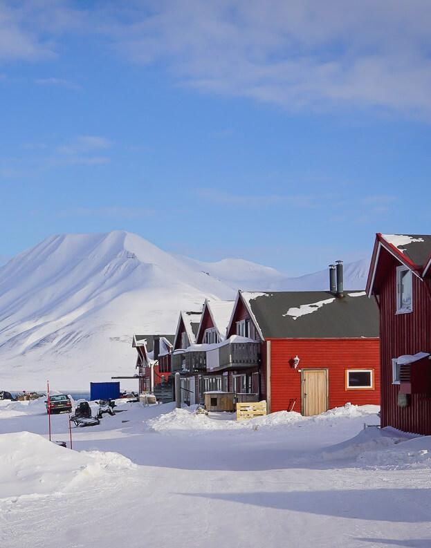 ville-town-svalbard-longyearbyen-norway-artic-city