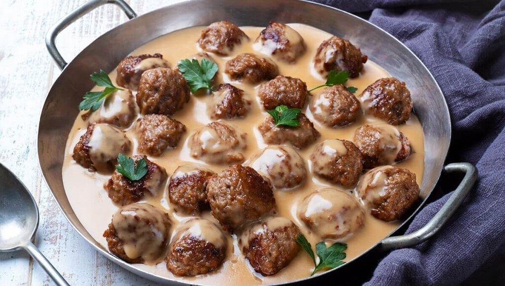 kottbullar-med-gradsas-boulettes-viande-suedoise