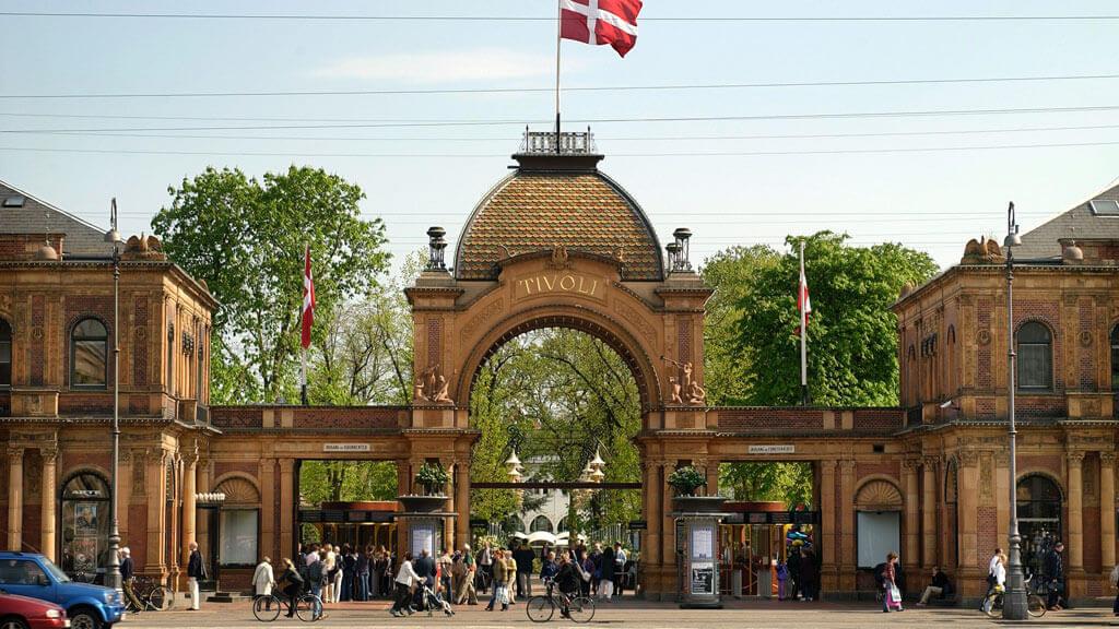 tivoli-copenhagen-entrance-access-free-kids