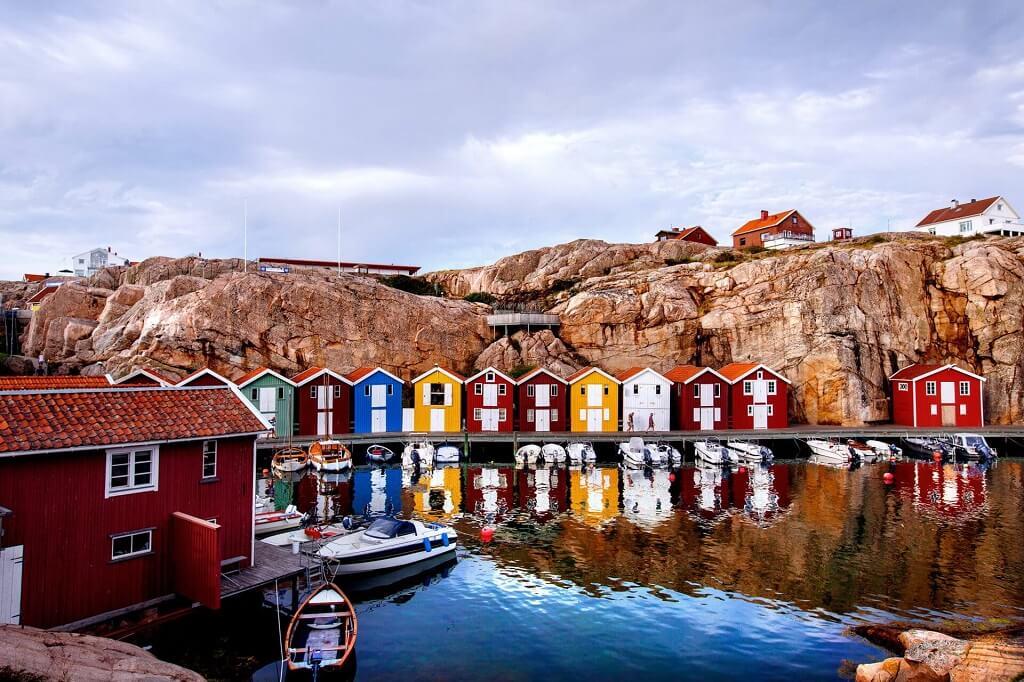 plus-beau-village-suede-smogen-maison-scandinave