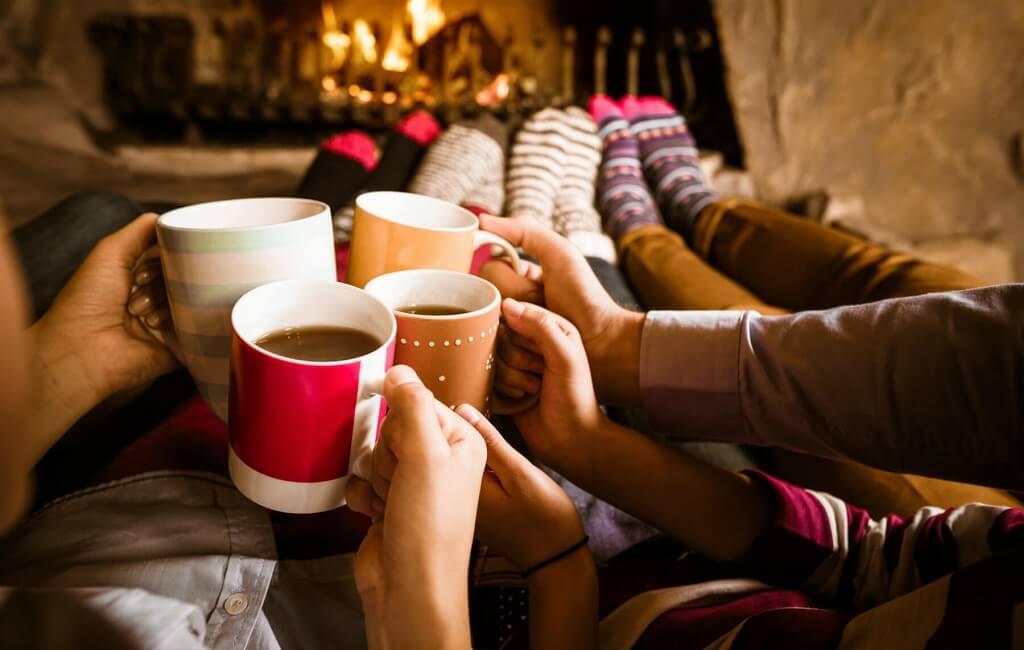 hygge-entre-amis-en-hiver (1)