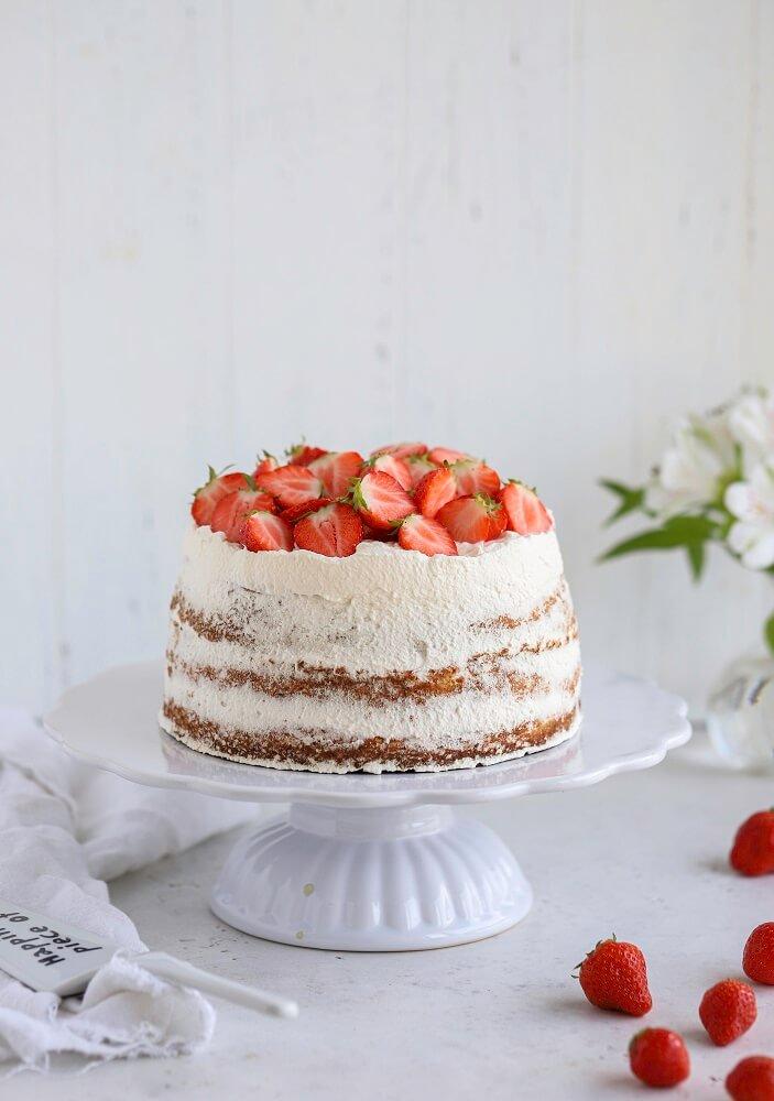 gateau-aux-fraises-jordgubbstarta